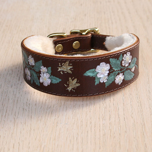 Dog Roses Buckle Collar (1.5 inch wide)