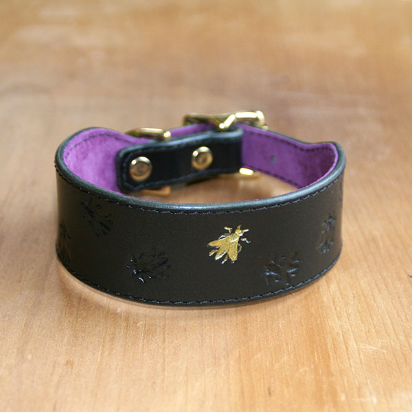 Buckle Collar Bees